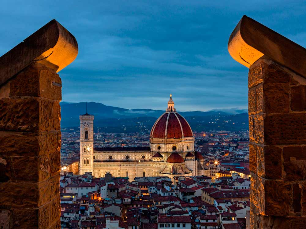 the 5 themes of geography florence italy I know i've already asked this, just for a variety of answers how are the five themes of geography are best seen in the economic, social, and political characteristics of italy.